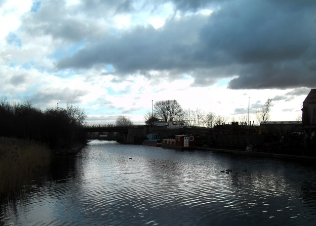 The dark clouds gather over the Aire and Calder Navigation.