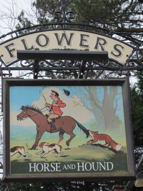 The Horse & Hound, Broadway
