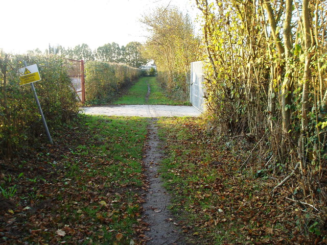 Footpath to Todhurst Farm