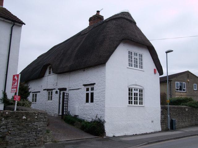 19 Green Road, Upper Stratton