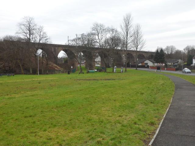 Railway viaduct over Centenary Avenue