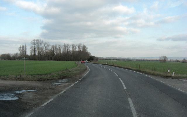 A4130 north of Field Farm