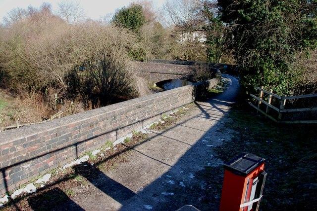 Footpath and bridge near Shenstone Station