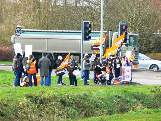 Pickets, Great Western Hospital, Swindon (1 of 2)