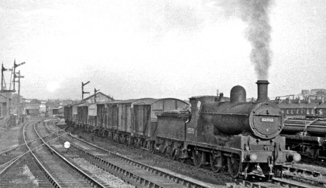 Ex-L&Y 0-6-0 shunting at Thornhill