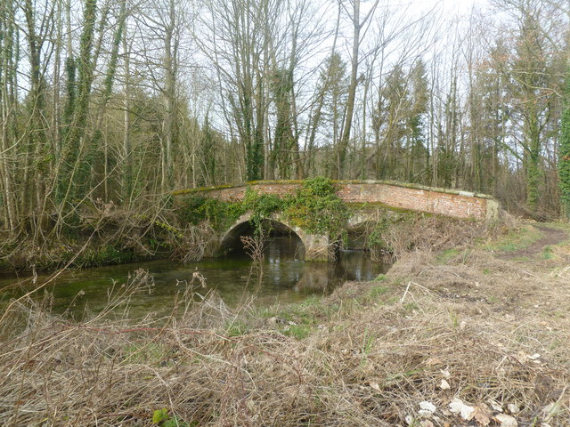 Moor Crichel, road bridge