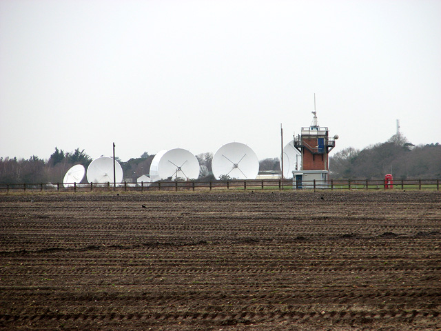 Radar dishes and tower at Waldringfield Heath