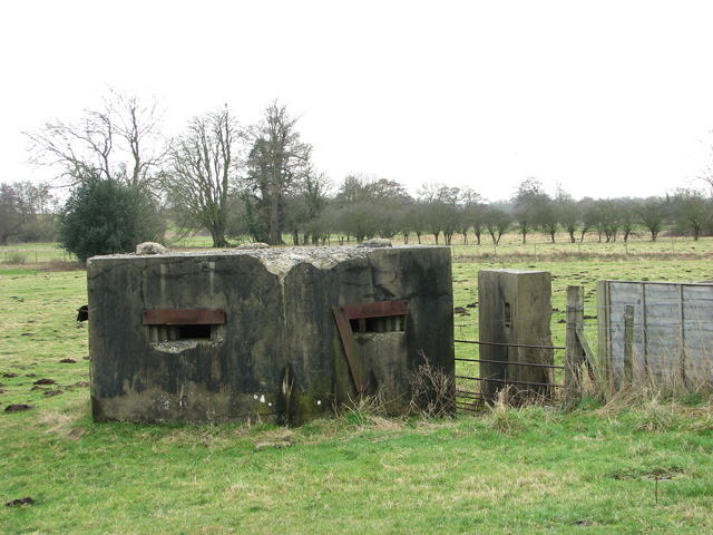 WWII pillbox with blast wall, Stratford St Andrew