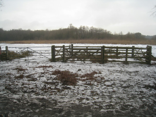 Controlled access to Fleet Pond