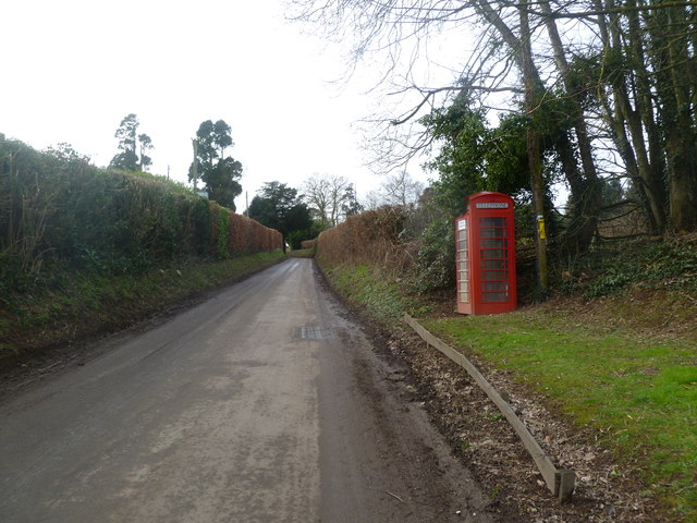 Moor Crichel, phone box