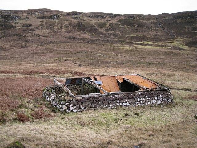 Ruined barn in Glen Bracadale