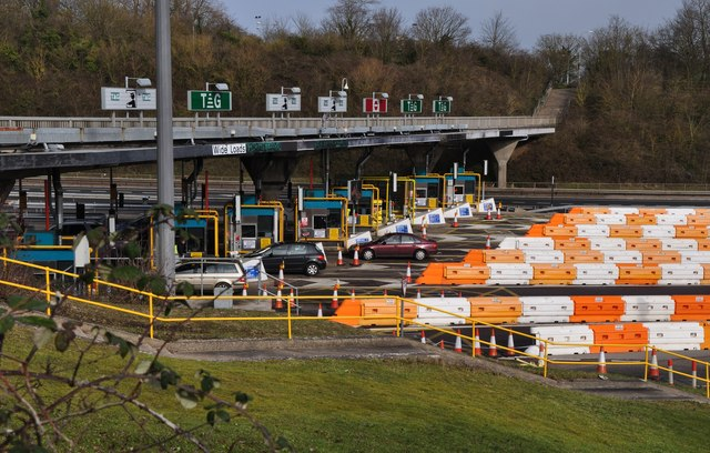 Severn Bridge : M48 Motorway Toll Gate