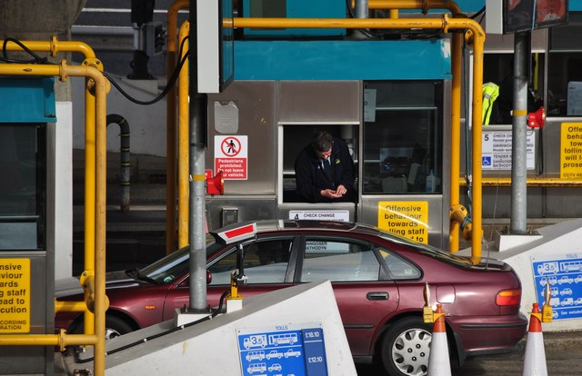 Severn Bridge : M48 Motorway Toll Gate