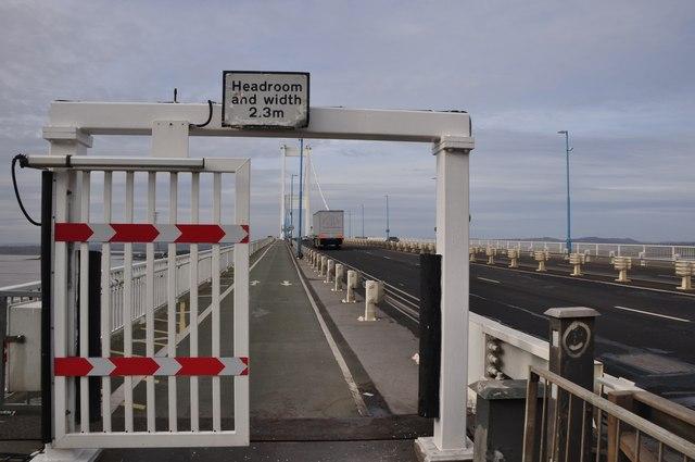 Severn Bridge : Gate & Footpath onto the Severn Bridge