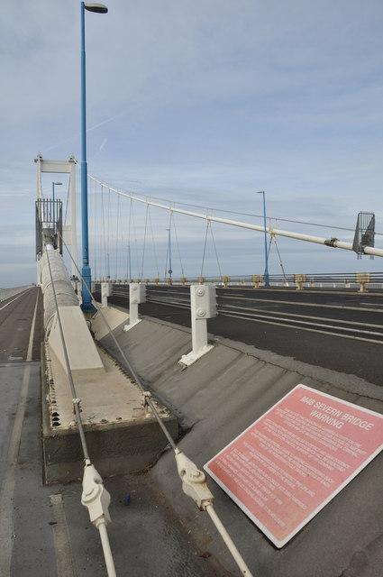 Severn Bridge : The M48 Motorway & Footpath