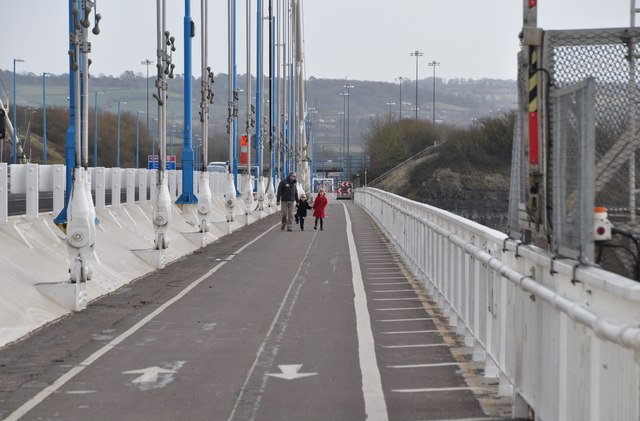 Severn Bridge : Footpath on the bridge