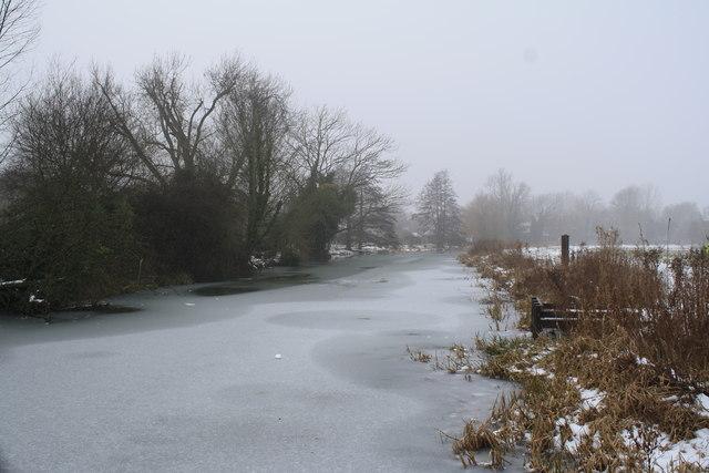 Frozen River Waveney at Falcon Meadow