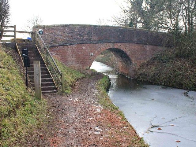Bridge 56, Stratford-upon-Avon Canal