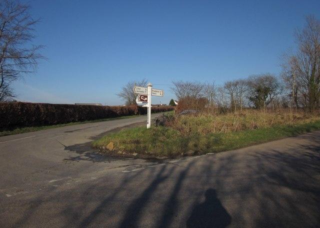 Middlecott Cross