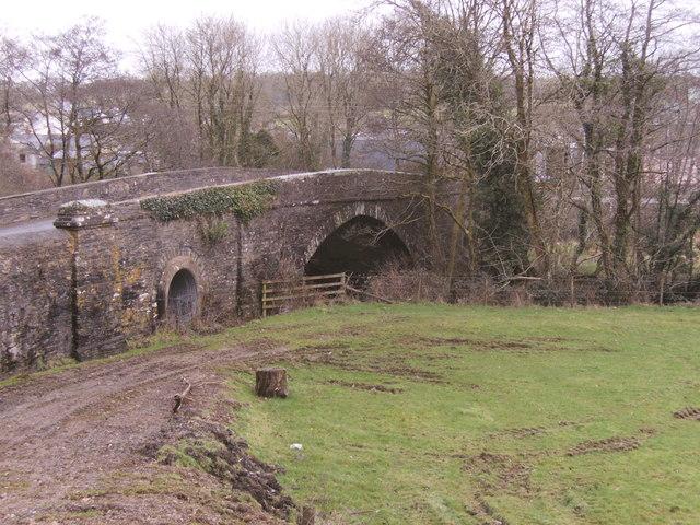 Llanglydwen bridge looking into the village