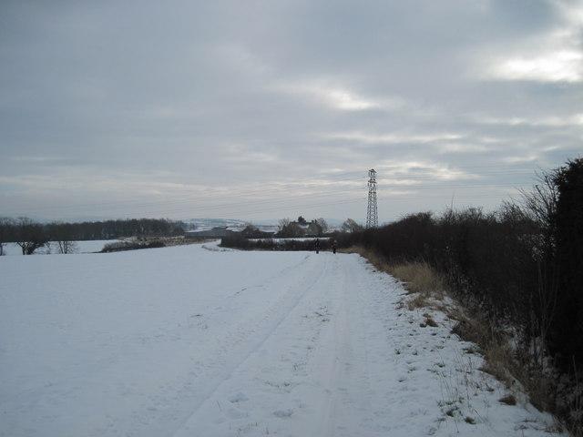 Approaching  Sawkill  Farm