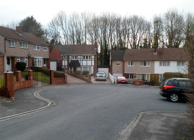 Turning circle at the far end of Horrocks Close, Malpas, Newport