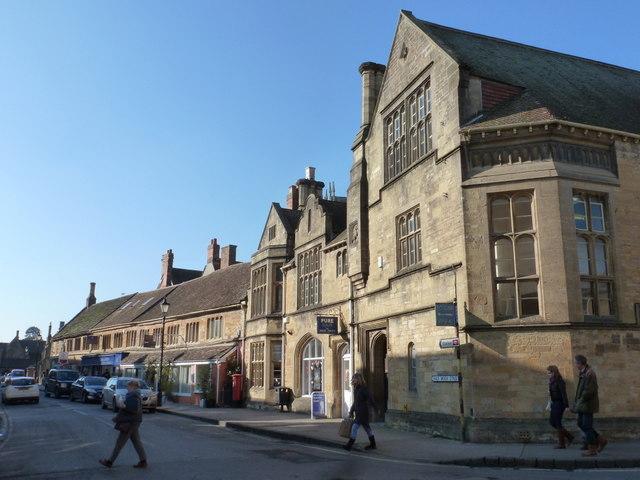 Sherborne: Half Moon Street frontages