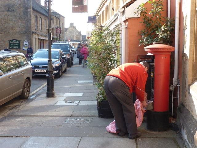 Sherborne: Half Moon Street postbox is emptied