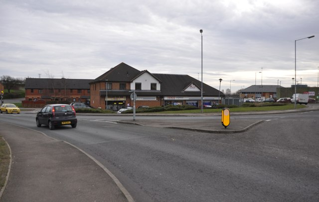 Chepstow : Roundabout & Shops