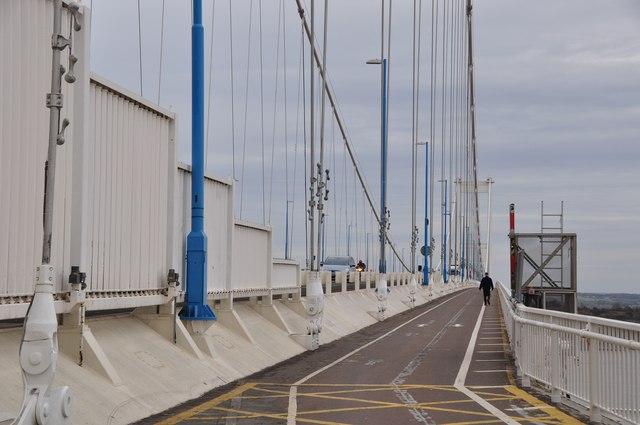 Severn Bridge : Footpath on the bridge