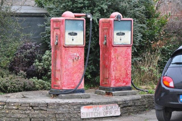 Aust : Old Petrol Pumps