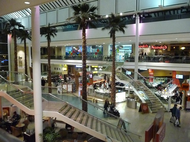 Cribbs Causeway : The Mall - Food Court