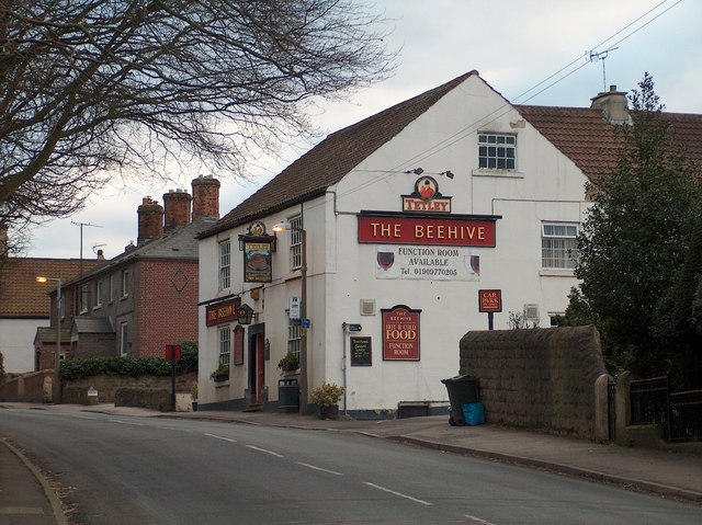 """""""The Beehive"""" public house in Harthill"""