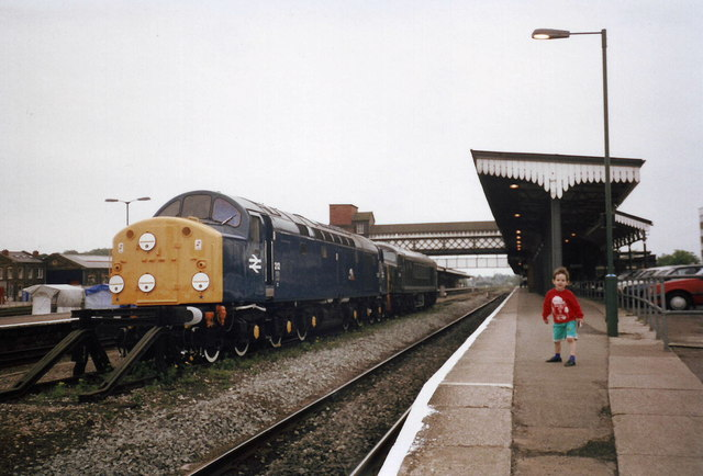 A Class 40 diesel locomotive and unknown other diesel, Worcester Shrub Hill