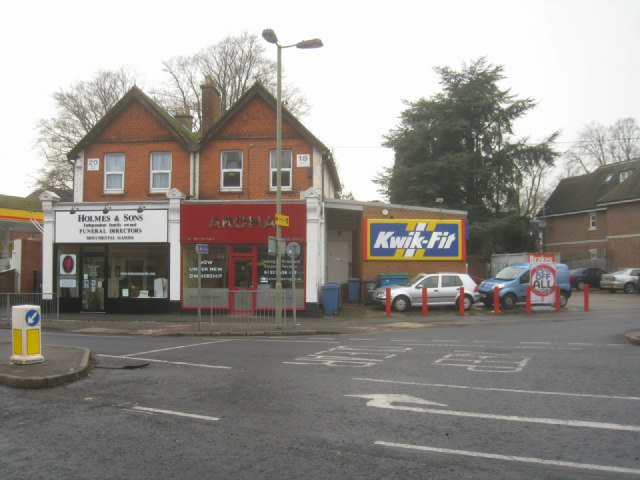 Small businesses close to Fleet station