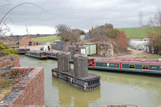 Dismantled railway bridge, Kennet and Avon Canal