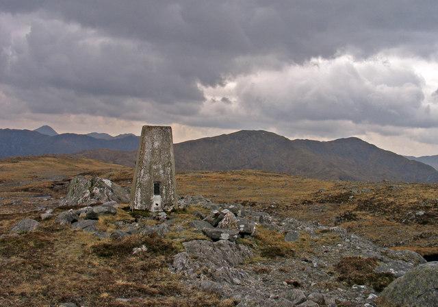 Summit area of Glas Bheinn