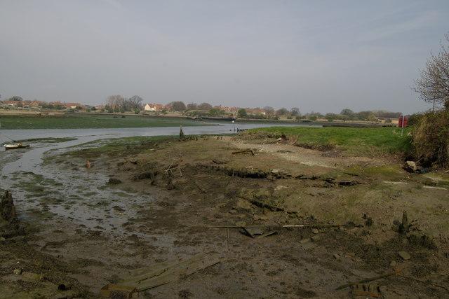 Buried sailing barge - Forton Lake