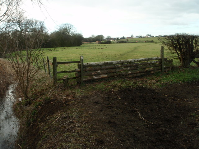 Footpath and horse jump by  Thorpe brook