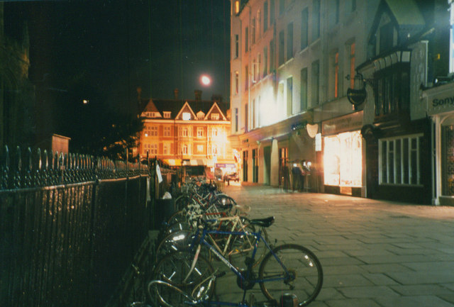 Cambridge bikes at night