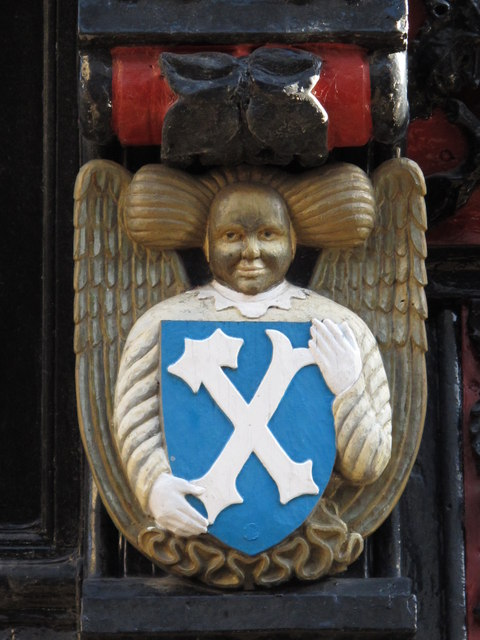 Crest on the ornate doorway of 20 Fore Street
