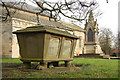 SE8000 : St.Martin's churchyard by Richard Croft