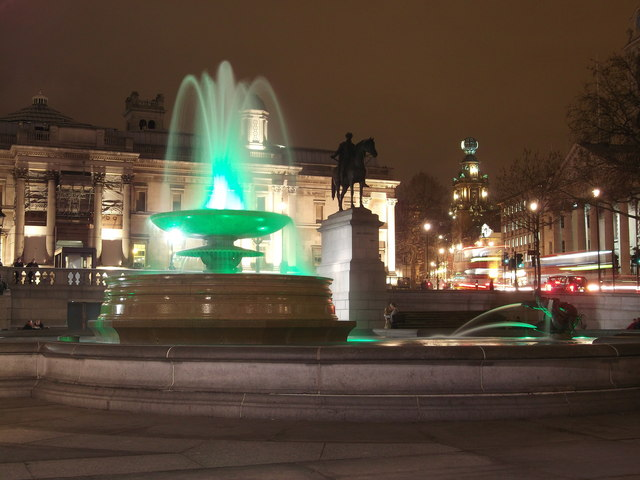 Trafalgar Square fountain and National Portrait Gallery