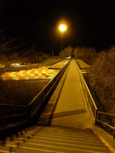 Aust: footbridge over the M48