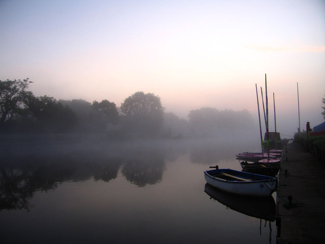 Morning Mist at Trent Lock