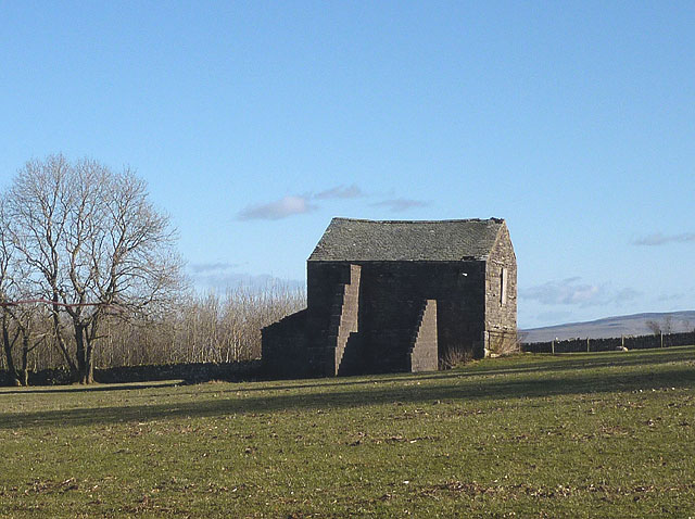 Buttressed barn north of Little Asby
