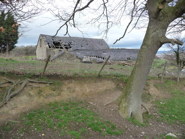 Dilapidated barn at Calch Hill near Denbigh