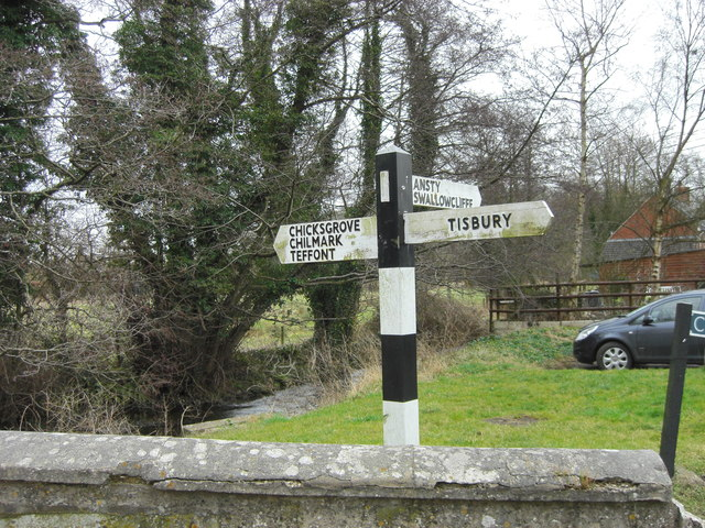 Fingerpost at Tisbury