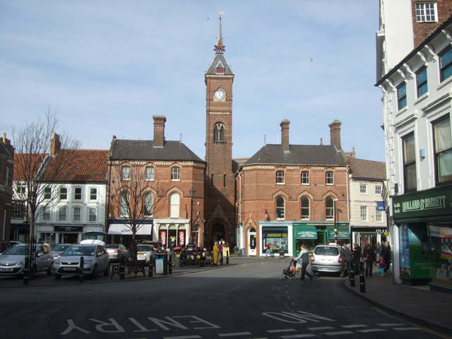 Town Square Louth (2)