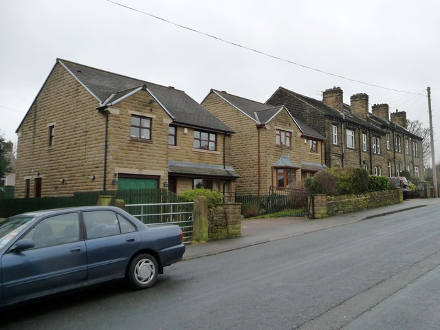 Contrasting houses on Station Road